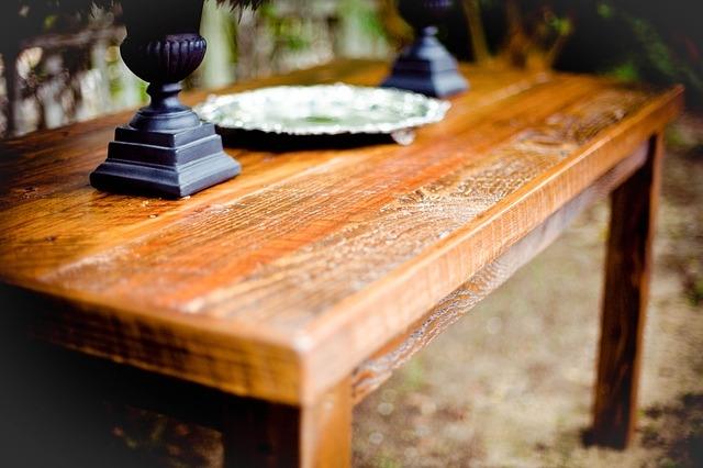 Zdjęcie główne #7 - Jak dbać o meble drewniane? Na czym polega ich pielęgnacja?